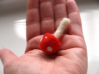 Tutorial : Needle Felted Toadstools