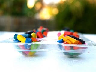 Broken Crayon Hearts : www.theMagicOnions.com
