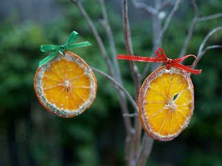 Handmade Christmas Ornaments :: Dried Oranges
