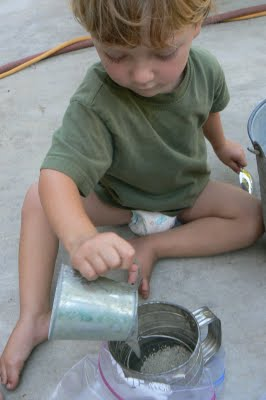 making colored sand