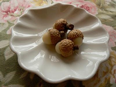 Organic beeswax acorns