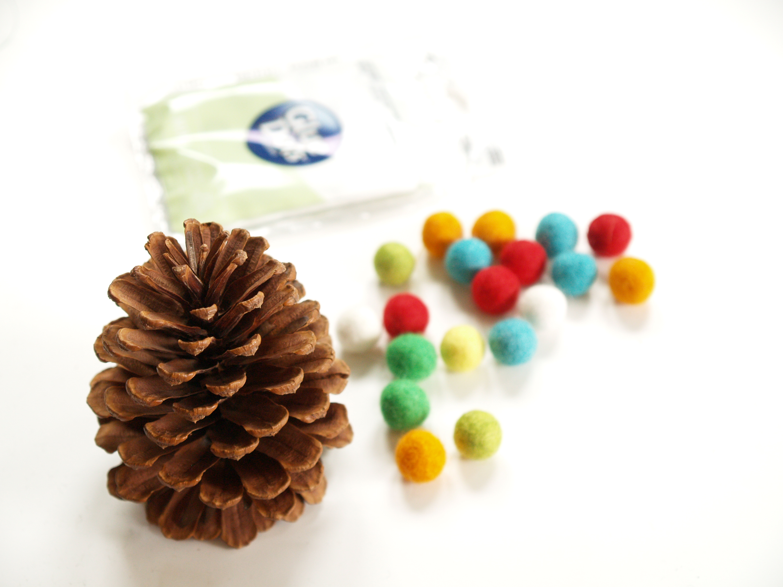 Colorful Wool Felt Pine Cone Christmas Tree : www.theMagicOnions.com