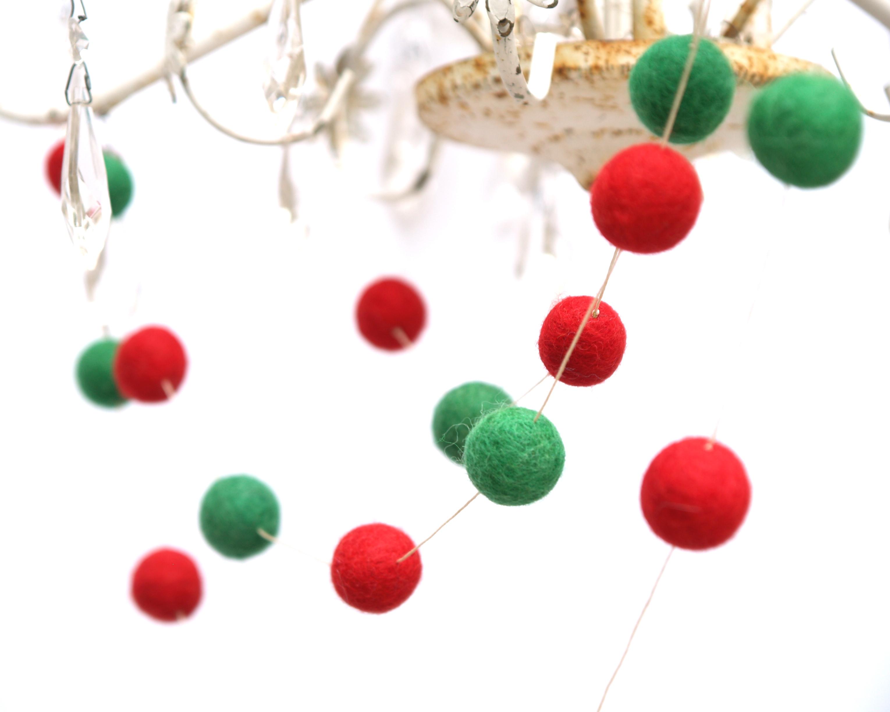 Felt Christmas Garland : www.theMagicOnions.com