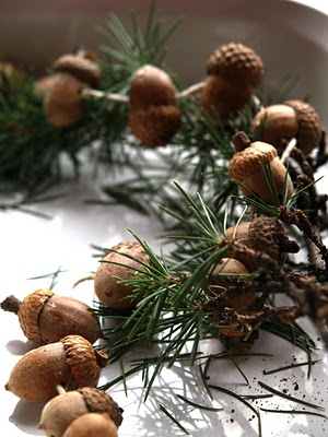 DIY Acorn Christmas Garland