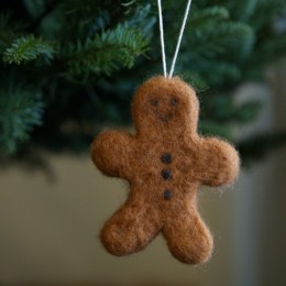 Make a Gingerbread Man Christmas Ornament :: Needle Felting Tutorial