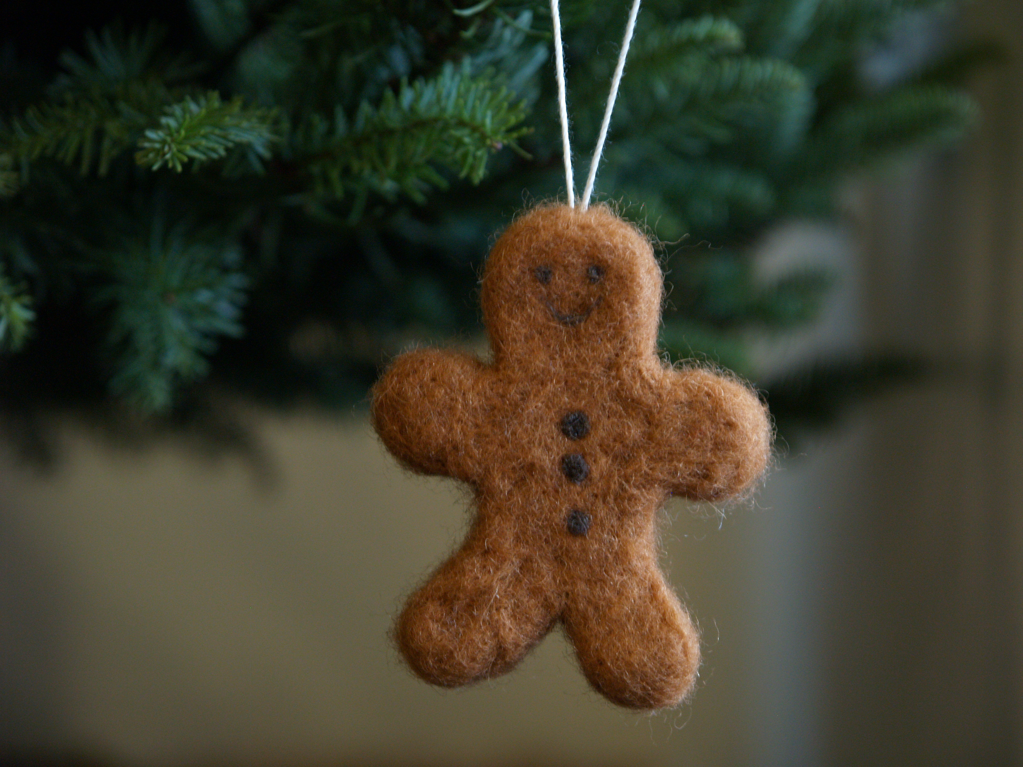 Needle Felted Gingerbread Man Ornament : www.theMagicOnions.com