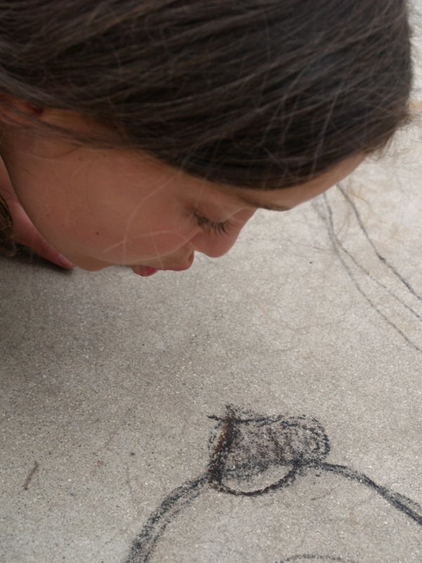 Drawing with charcoal - www.theMagicOnions.com