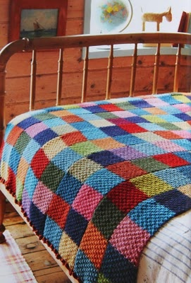 Knitted blanket : www.theMagicOnions.com