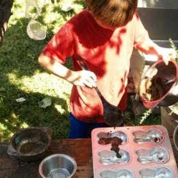 Make a Mud Kitchen : Autumn Fun