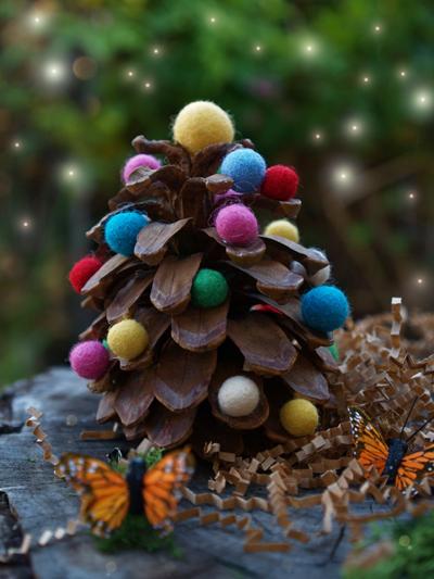 Colorful Wool Felt Ball Pine Cone Christmas Tree : www.theMagicOnions.com