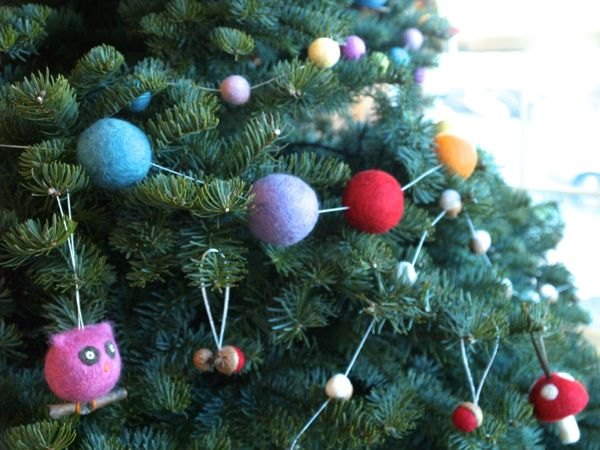 Needle Felted Garland : www.theMagicOnions.com