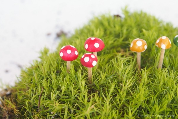 Tutorial : Clay Toadstools for your Fairy Garden : www.theMagicOnions.com