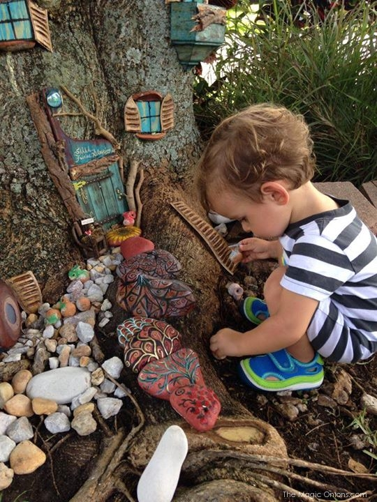 Tree House Fairy Garden : Fairy Garden Contest : www.theMagicOnions.com