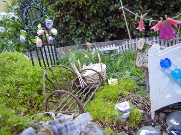 Potted Fairy Garden : Fairy Garden Contest : www.theMagicOnions.com