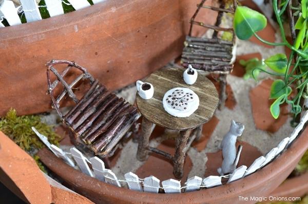 Fairy GArden in a Broken Flower Pot : Finalist in the Fariy Garden Contest : www.theMagicOnions.com