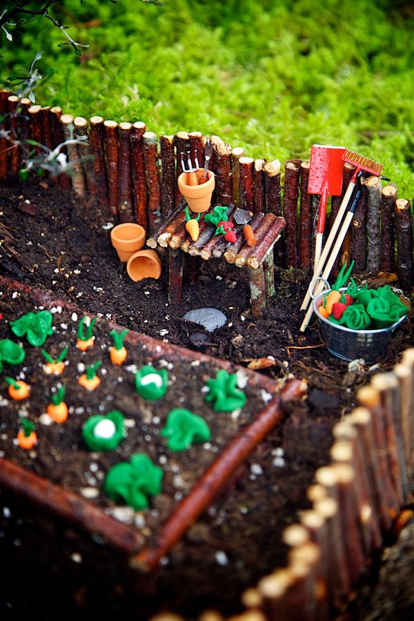 Fairy Garden Contest 2014 Winner on The Magic Onions : www.theMagicOnions.com