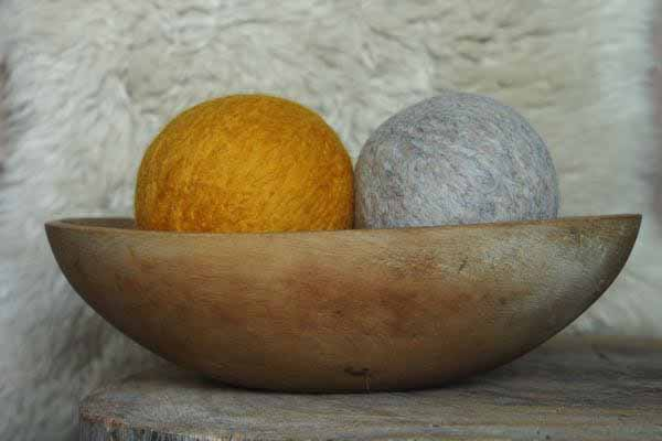 Tutorial - Wool Dryer Balls www.theMagicOnions.com