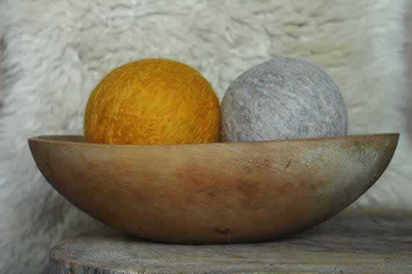 Tutorial - Wool Dryer Balls www.theMagicOnions.com