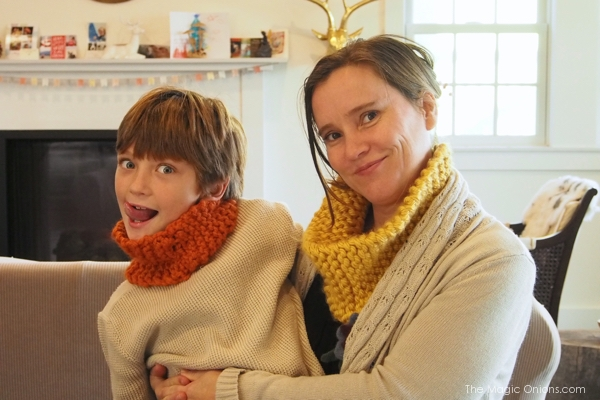 Knitted Cowl : www.theMagicOnions.com