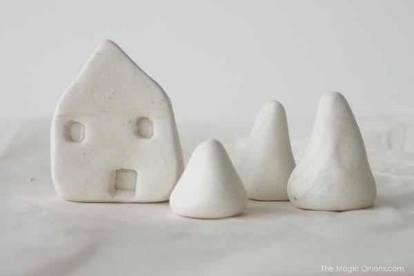 DIY Min Clay House : www.theMagicOnions.com