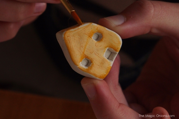 DIY Mini Clay House : www.theMagicOnions.com