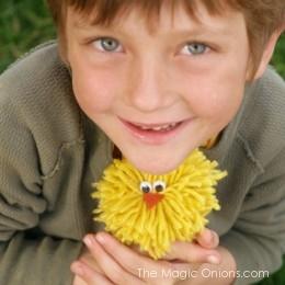 No-Sew Yarn Chick That Kids Can Make