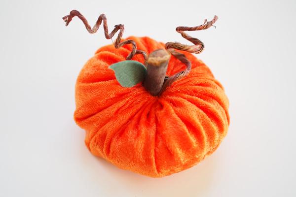 Velvet Pumpkin DIY Tutorial