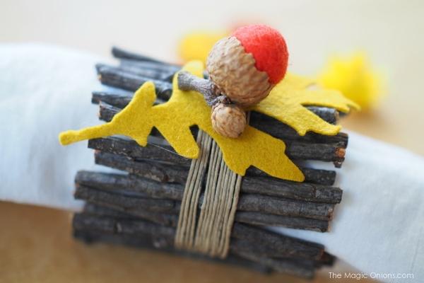 DIY Nature Napkin Ring Tutorial : www.theMagicOnions.com