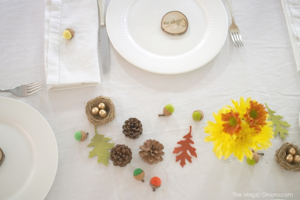 Felted Acorn, Pine Cones and Felt Leaves Table Decor for Thanksgiving :: The Magic Onions :: www.theMagicOnions.com
