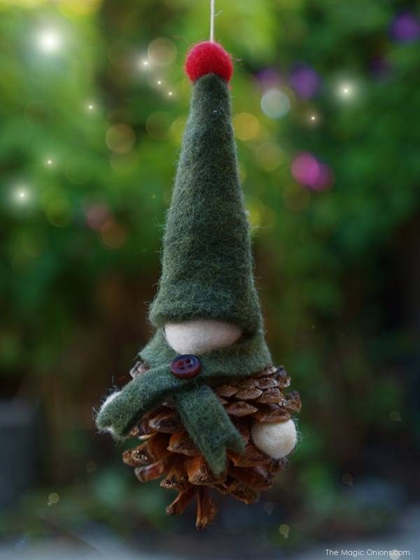 Pine Cone Gnome Christmas Tree DIY Tutorial : www.theMagicOnions.com
