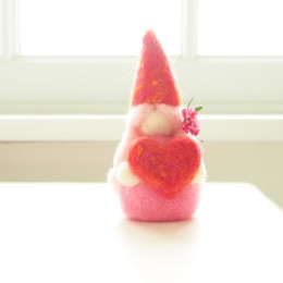 Needle Felted Valentine Fairy :: Tutorial