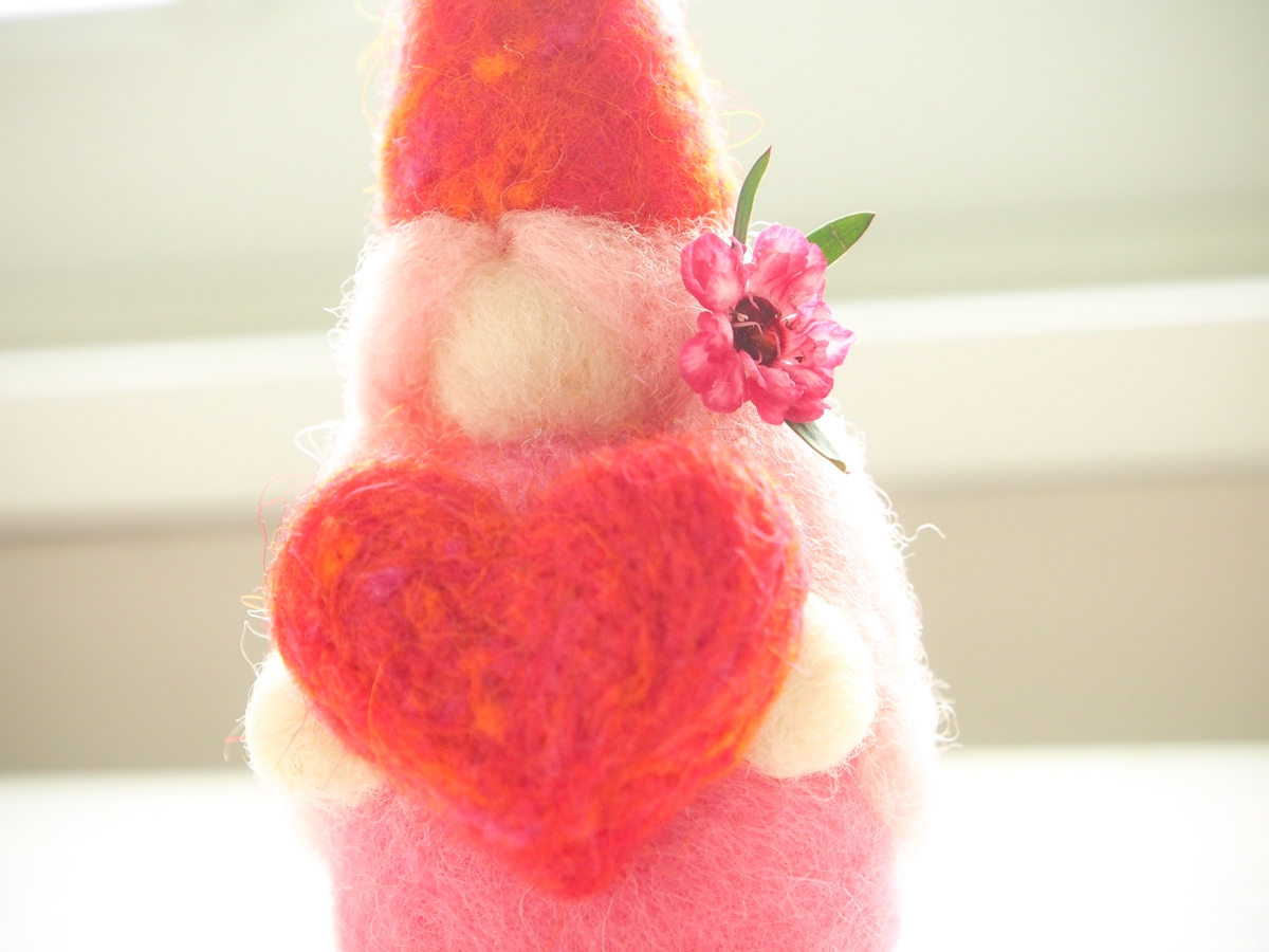 Tutorial Needle Felted Fairy :: www.theMagicOnions.com