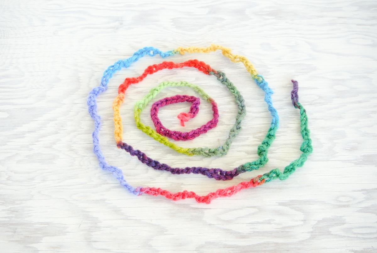 Finger Knitting DIY Tutorial for children