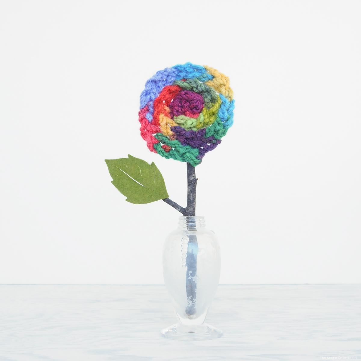 Finger Knitted Flower Tutorial