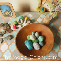 How To Make Wet Felted Rocks :: Needle Felting Tutorial