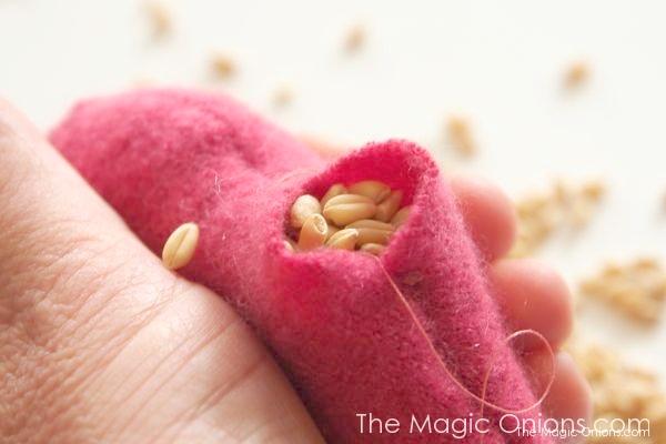 How To Make Cashmere Heart Hand Warmers Tutorial : www.theMagicOnions.com