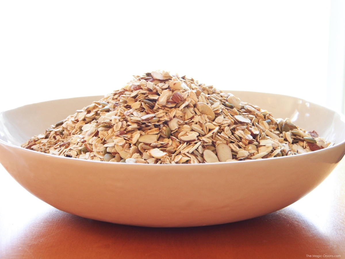Healthy Homemade Granola Recipe : www.theMagicOnions.com